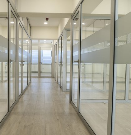 glass-partitions-manchester-mobile-2